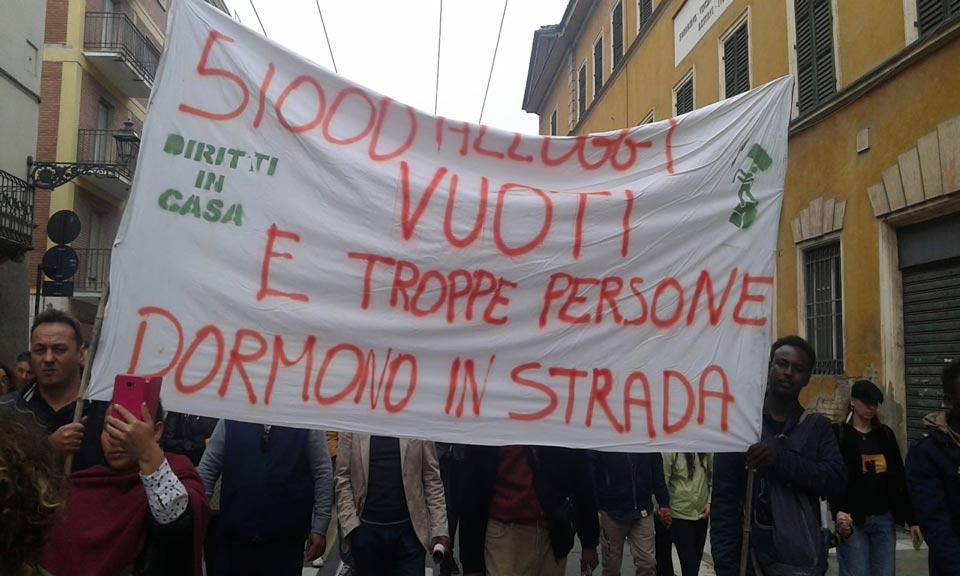 La fotografia esatta del problema casa a Parma