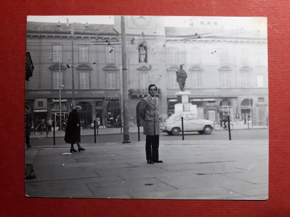 In piazza Garibaldi a Parma negli anni '60